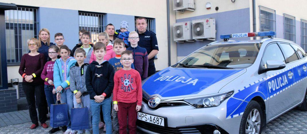 Niecodzienni goście na policji. Dzieci z Francji i Litwy odwiedziły naszą komendę (zobacz wideo)