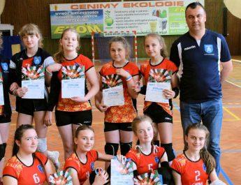 Siatkarki z Kluczewska zagrały w Mistrzostwach Polski i… awansowały na kolejne