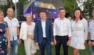 Setki osób na festynie w Kluczewsku. Zespół Cliver dał energiczny koncert na muszli stadionu (zobacz wideo)