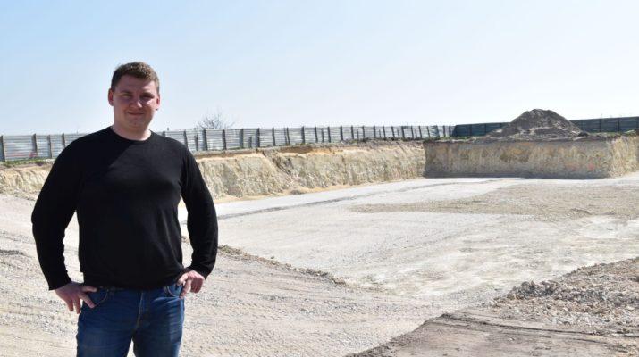 Bartłomiej Sienkiewicz buduje kompleksowy blok mieszkalny we Włoszczowie