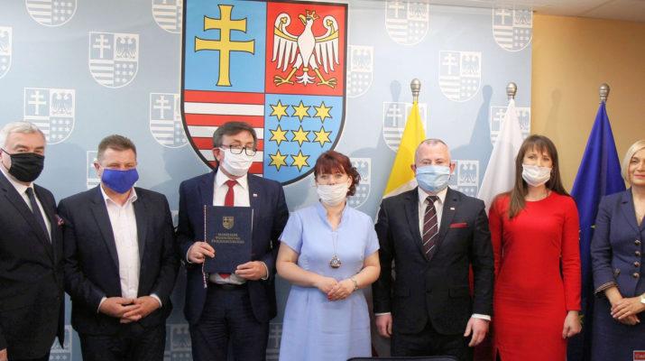 Powiat włoszczowski otrzymał 2 miliony złotych na walkę z koronawirusem