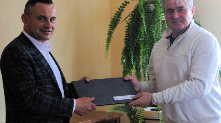 Laptopy do zdalnego nauczania dla szkół w gminie Włoszczowa