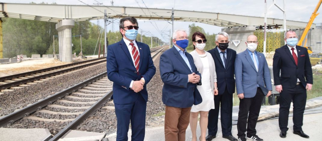 Poseł Krzysztof Lipiec na wizytacji wiaduktów w powiecie włoszczowskim