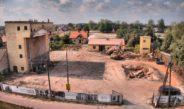 Trwa rozbiórka starego młyna zbożowego we Włoszczowie. W jego miejscu stanie… Nowy młyn