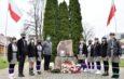 Symboliczne obchody 102. rocznicy odzyskania niepodległości we Włoszczowie. Garstka mieszkańców i krótka uroczystość