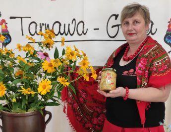 Sałatka z cukinii, ogórków, papryki i cebuli – przepis Jolanty Sułeckiej, przewodniczącej KGW Tarnawa Góra