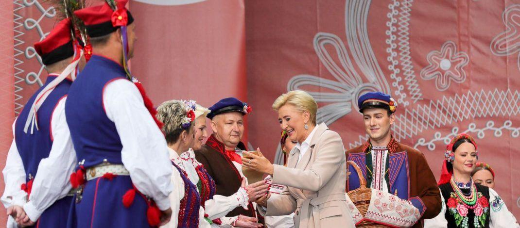 Koło Gospodyń Wiejskich z Występ najlepsze w Polsce. Wygrało konkurs o nagrodę małżonki prezydenta RP